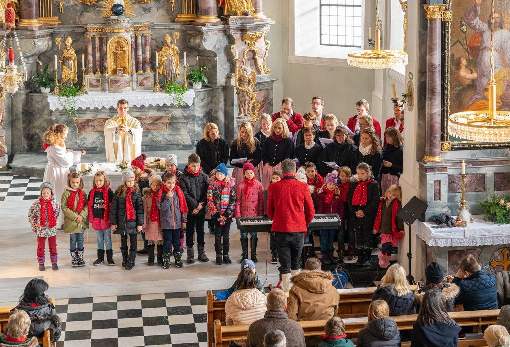 Gemeinsam mit den Kindern sangen wir eine deutsche Version von Amazing Grace. Foto: Stefan Draxl