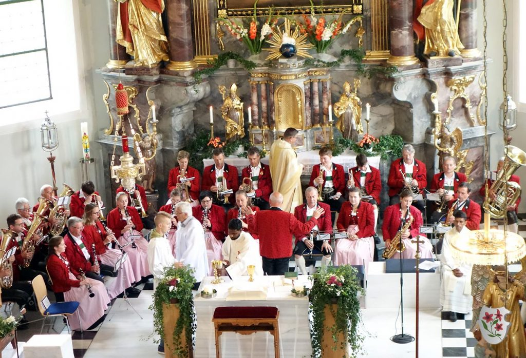 Wie immer festliche musikalische Gestaltung der Messe durch die MK Leutasch
