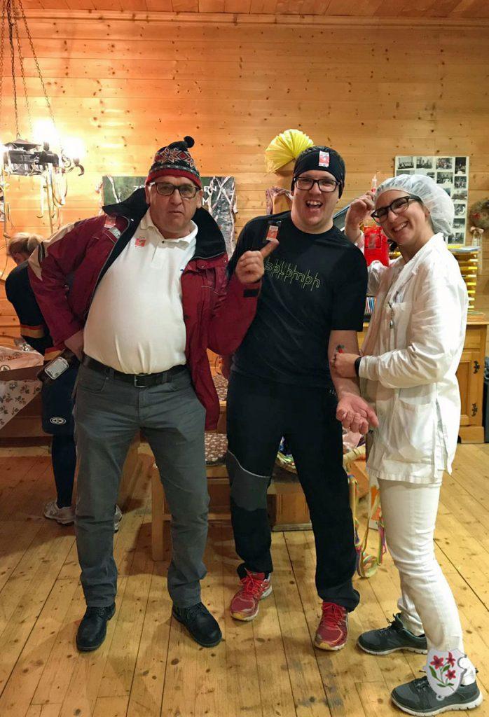 Auch ÖSV-Präsident alias David Schröcksnadel ließ es sich nicht nehmen, gemeinsam mit Dopingspezialisten den Stoanis Faschingskehraus zu besuchen