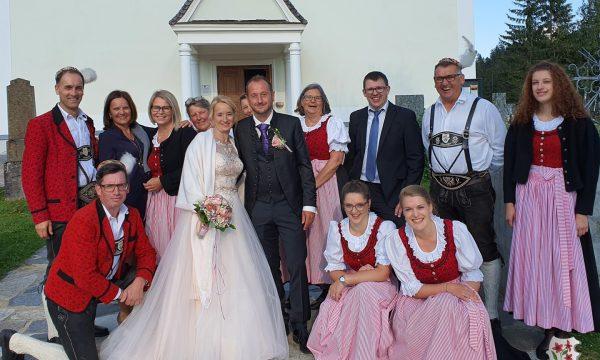 Die Hochzeitsglocken läuten bei den Stoanis